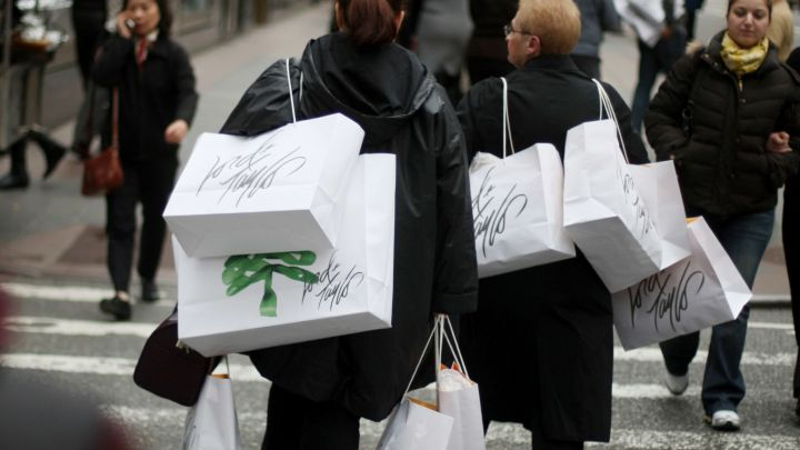 US consumer confidence rebounds in February
