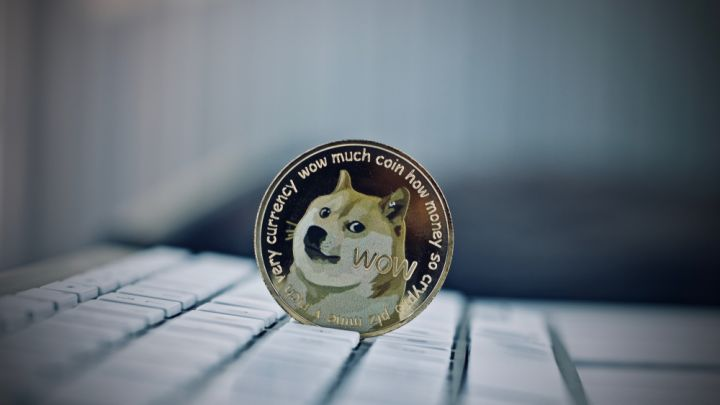 Dogecoin Price Mounts Comeback to $0.003 as Moon Trip Remains Intact