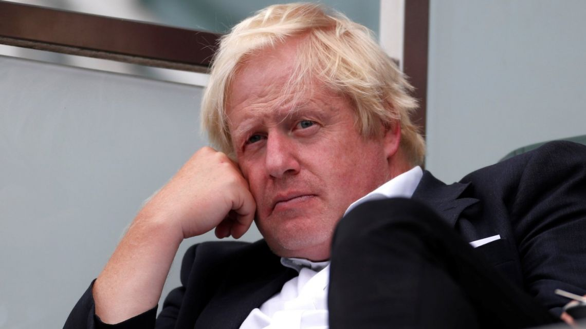 Boris Johnson will wait until Brexit before pushing for Theresa May to resign as prime minister