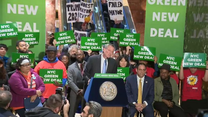 De Blasio mocked by protesters at raucous Green New Deal rally inside Trump Tower
