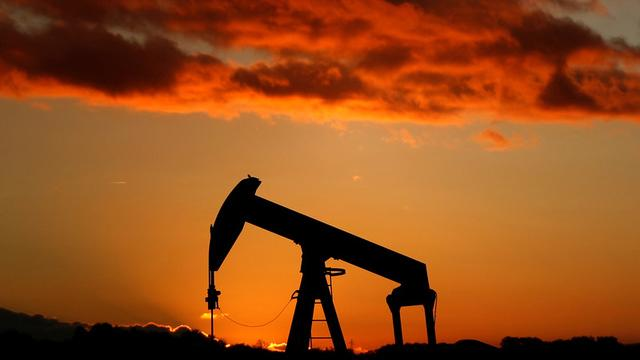Oil plummets, on track for biggest weekly drop in 2019