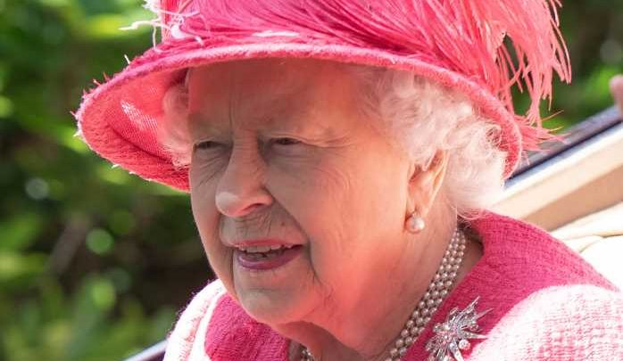 The Queen wows in pink at sunny Royal Ascot as Fergie performs excited curtsy