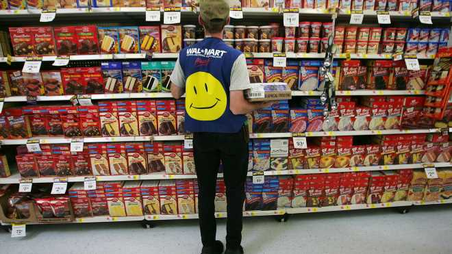 Walmart entices high-school-age workers with benefits in tight labor market
