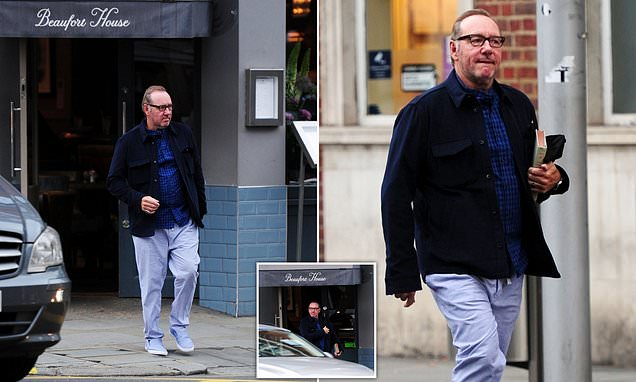 Kevin Spacey dines alone at upmarket London restaurant