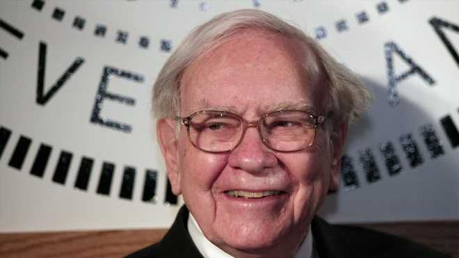 Warren Buffett's Berkshire Hathaway loads up on Amazon stock