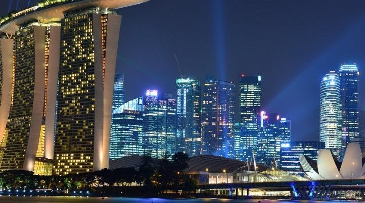 Charles Schwab to Close Down its Office in Singapore