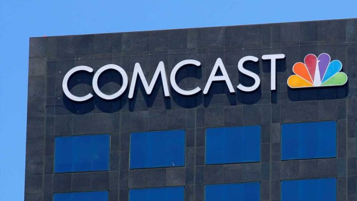DOJ watching Comcast's plan to charge extra for Starz channel: sources