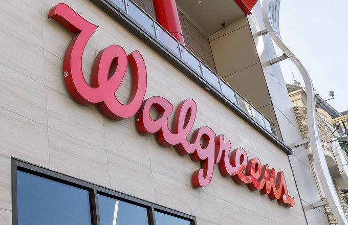 Walgreens Beats Earnings but Remains in Trading Range