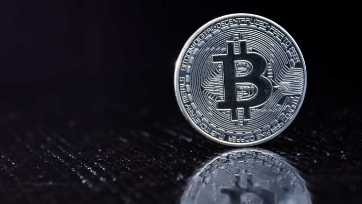 Bitcoin Hovers Near Price Support as Long-Term Bear Cross Looms