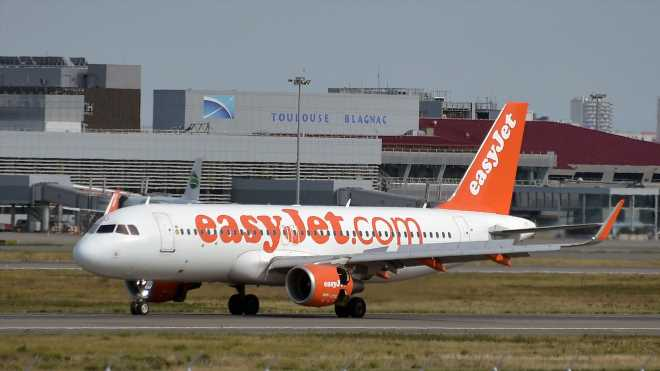EasyJet's carbon-free pledge may win more green-conscious fliers