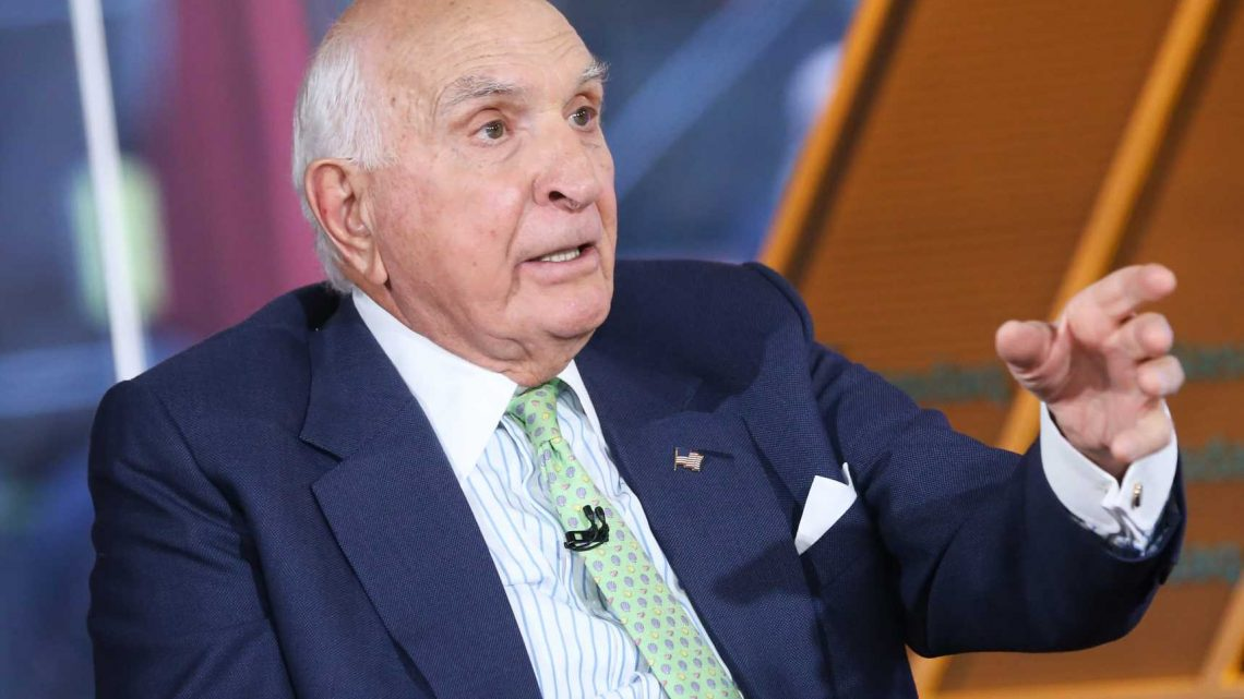 Billionaire businessman Ken Langone talks about stocks he likes, including JP Morgan and GE