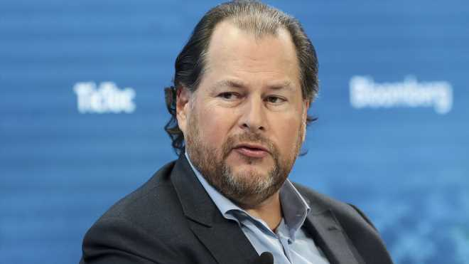 'Facebook is the new cigarettes for our society,' Marc Benioff says, calling for regulation