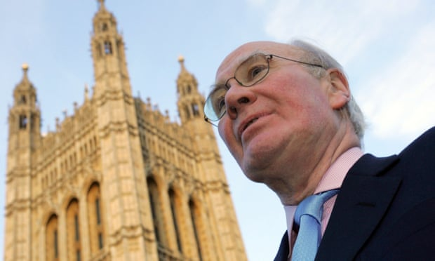 Sir Menzies Campbell backs Briton's bid to avoid extradition to US