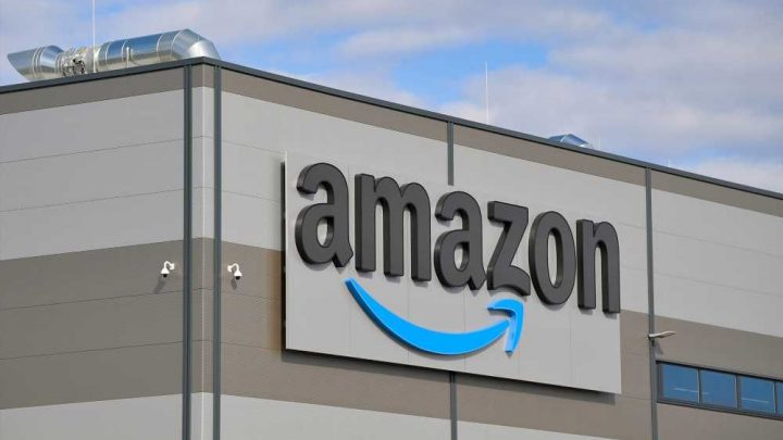 Amazon threatens to fire workers who break social distancing rules
