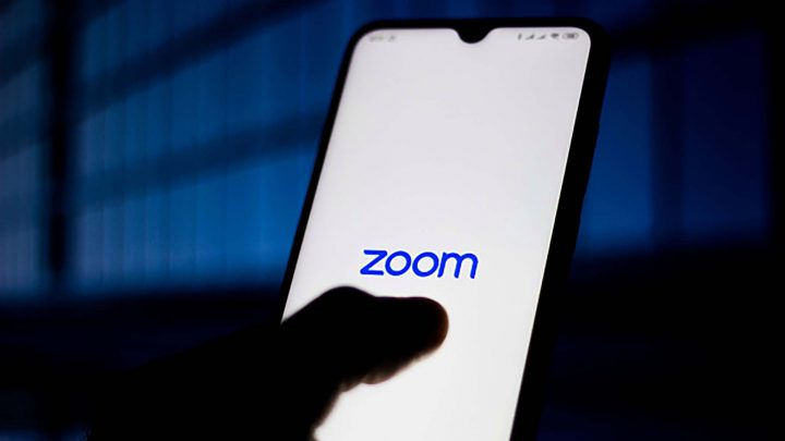 Zoom shares zapped amid privacy concerns and analyst doubts