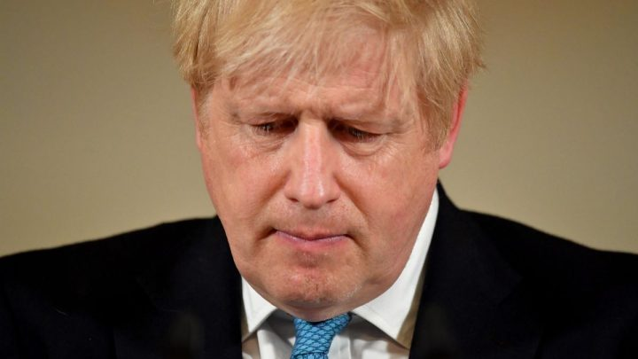 Boris Johnson Is Moved to Intensive Care With Covid-19 Worsening