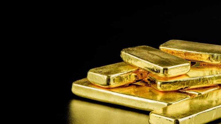 As Gold Hits 9-Year High, Bitcoin Eyes Price Breakout