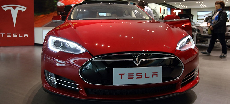 Tesla & Apple Share Splits Could Boost Price by 33% in 12 Months: eToro