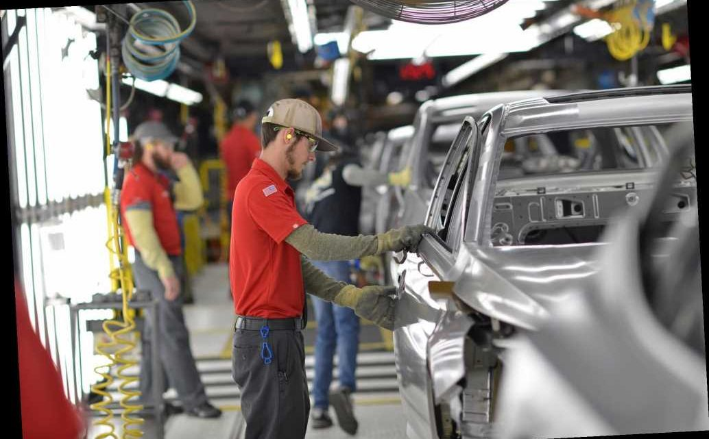Trump praises Nissan for 'rolling out' 2021 Rogue at Tennessee plant