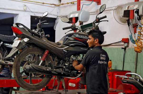 While Hero MotoCorp, TVS gain mkt share, Honda, Bajaj slip