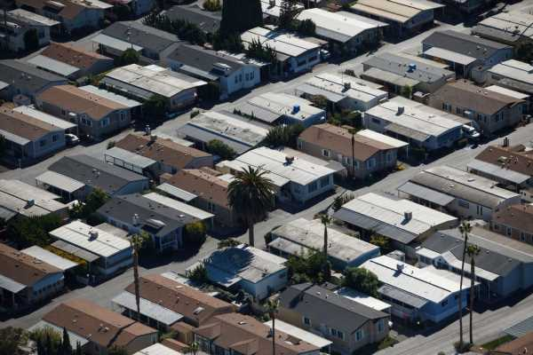 Blackstone to Boost Mobile-Home Bet With $550 Million Deal