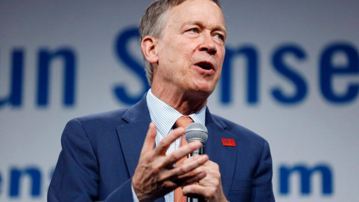 Hickenlooper opposes fracking in Colorado, despite past support for controversial practice