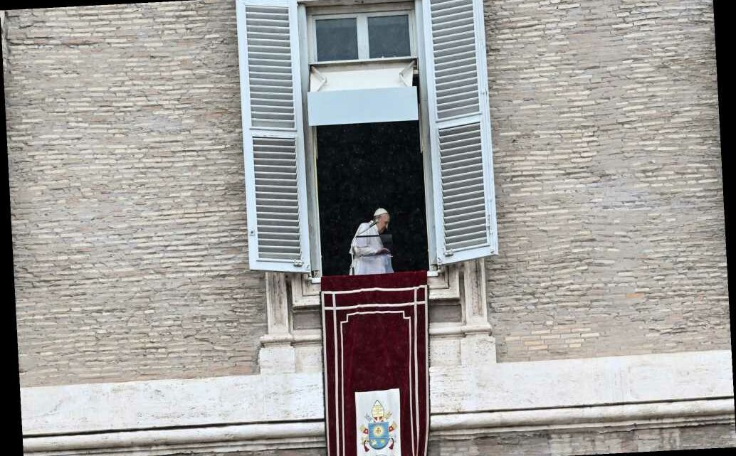 Vatican Swiss Guards contract COVID-19, sparking concerns about Pope Francis