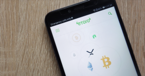 What Is eToro's CopyTrader and How Do You Use It?