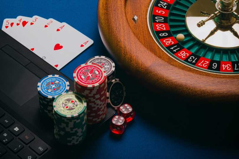 The Financial Aspects of Online and Offline Casino Businesses