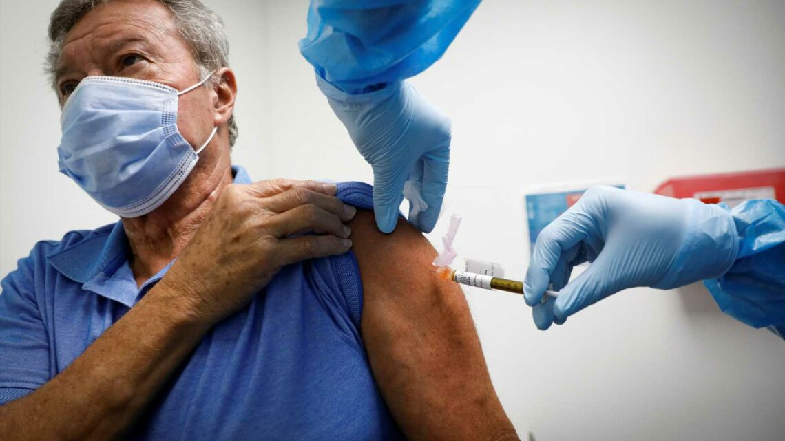 Trump administration announces deal with CVS and Walgreens to administer coronavirus vaccine to seniors in long-term care