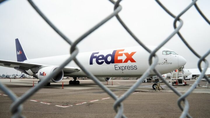 FedEx Vows to Avoid Transport Bottlenecks in Vaccine Roll-Out