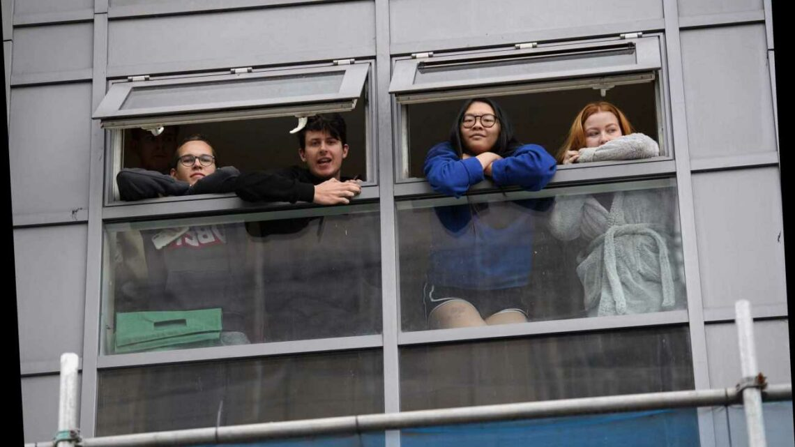 Students will be able to 'pick between self-isolating at uni digs or parents' house'