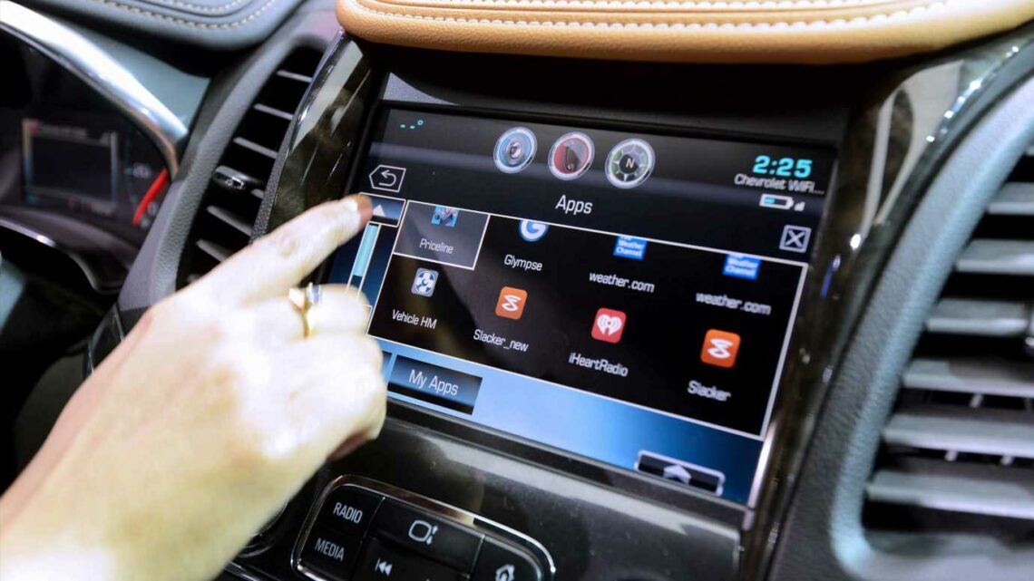 GM to offer auto insurance that uses data from connected vehicles to price rates
