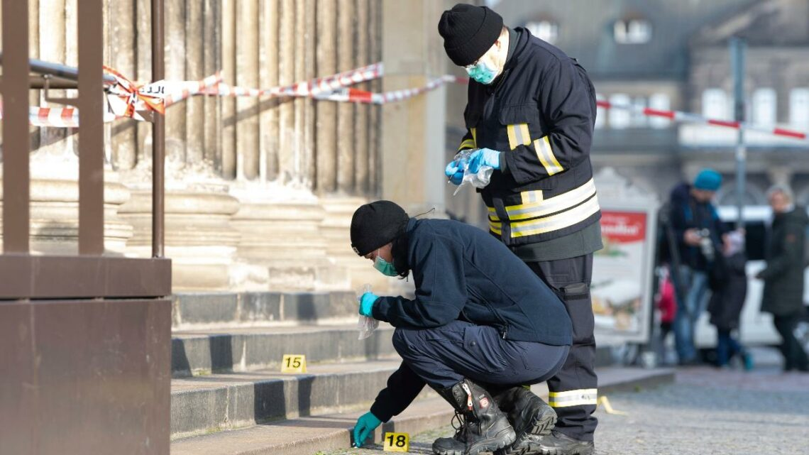 Three detained in Germany over $1B jewel heist