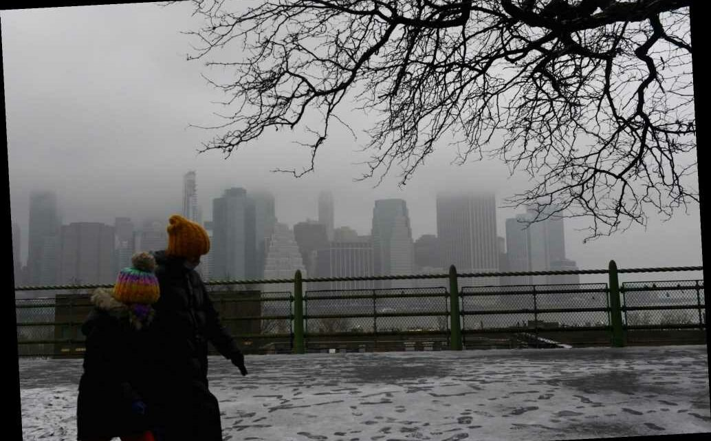 NYC braces for powerful snowstorm that could bring a foot of snow