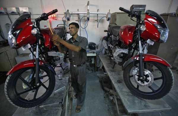 Bajaj Auto is world's first two-wheeler maker to cross Rs 1 trn market cap