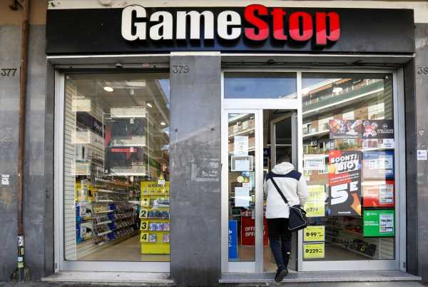 GameStop Executives Sitting on $1.3 Billion Gain From Frenzy