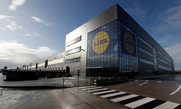 Lidl expansion puts German discounter in the red