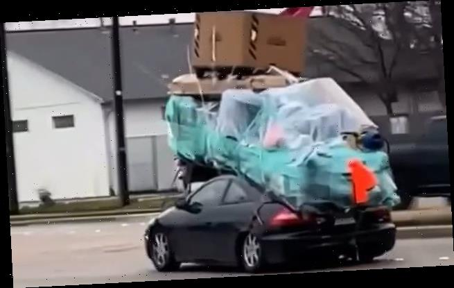 Motorists overloads his Honda Accord while moving apartment in Texas