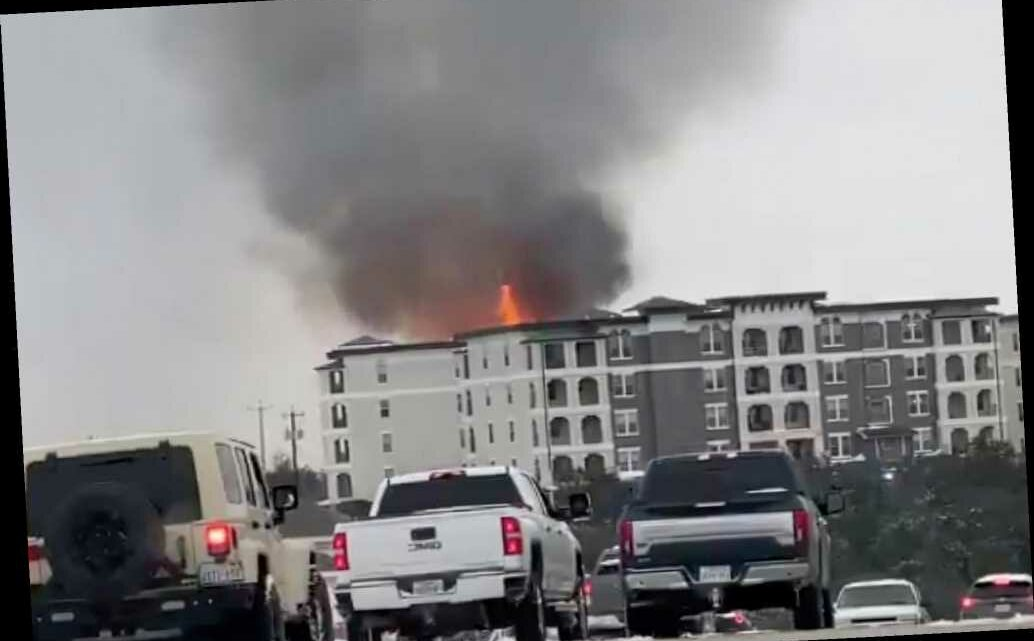 Massive fire breaks out in San Antonio apartment building