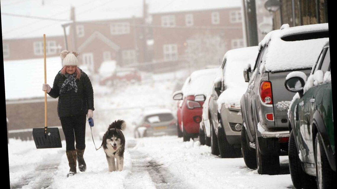 Weather forecast UK – Britain faces 'messy' winter conditions this week as Arctic blast brings snow and freezing rain