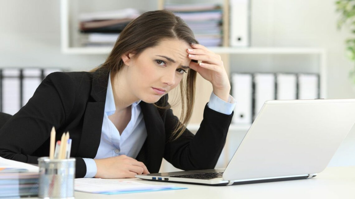 Do I betray my manager's confidence to warn my co-workers? Ask HR