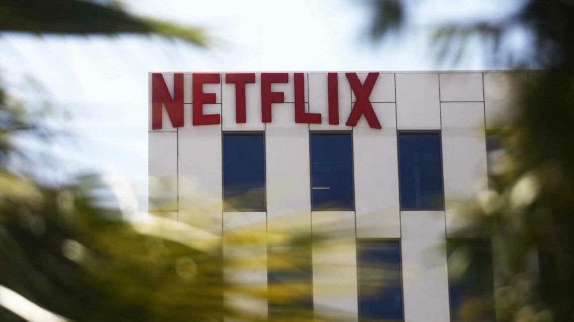Here's how much money you'd have if you bought $1,000 worth of Netflix stock in 2011