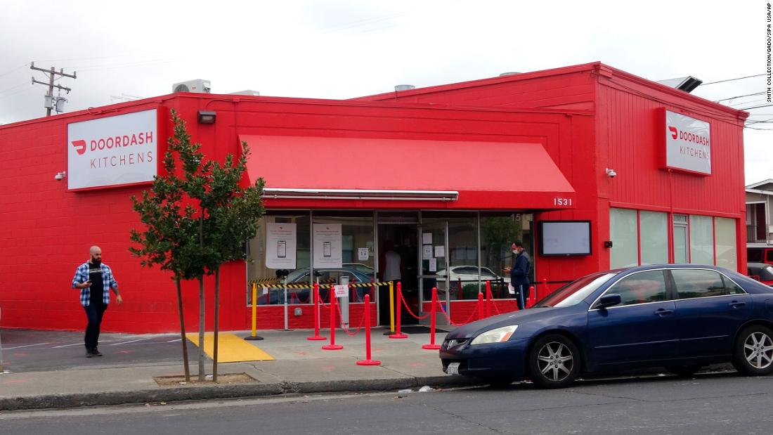 NYC diner's drive-in becomes hot ticket during coronavirus