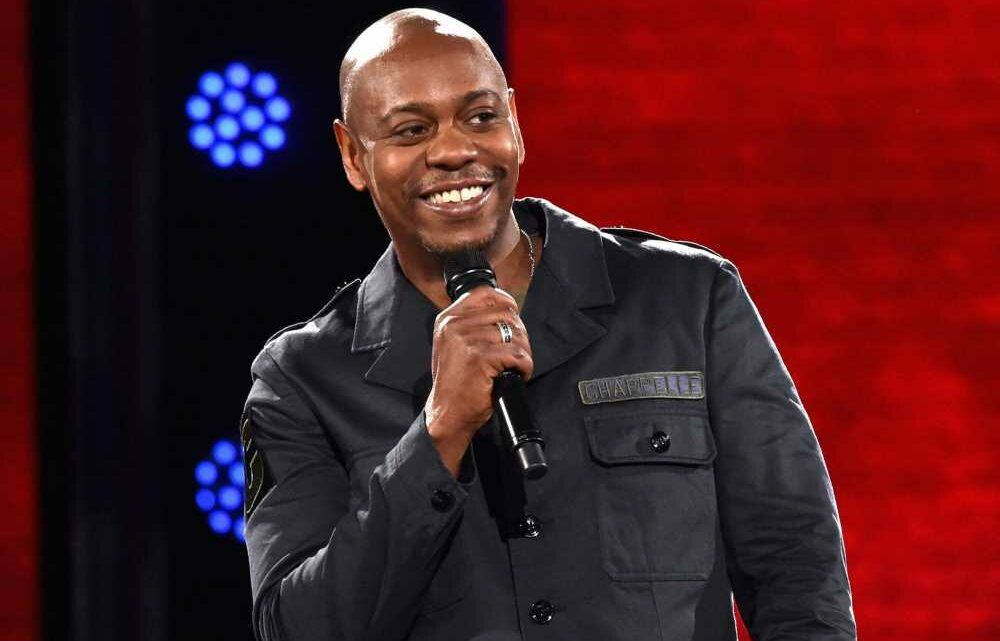 Dave Chappelle Says It Was Celebs Who Left Anti-Trump Notes After 2016 Election, Not Obama Aides