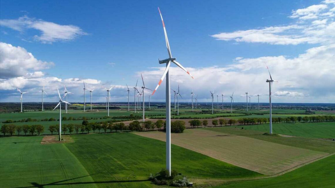 Wind turbine giant Siemens Gamesa lays out plan to drive down cost of 'green' hydrogen