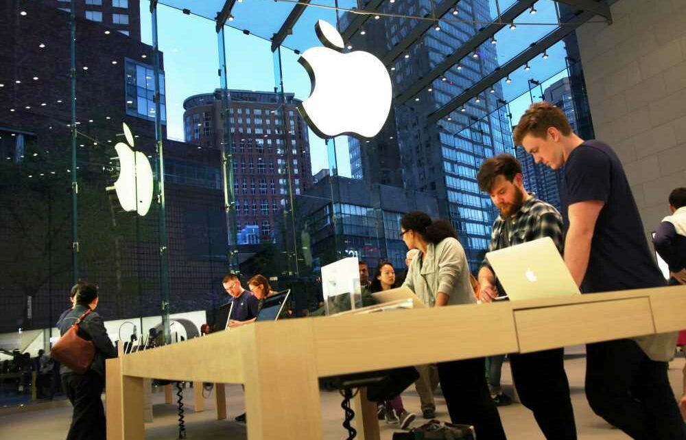 Apple climbs to another record. Two market analysts predict more upside