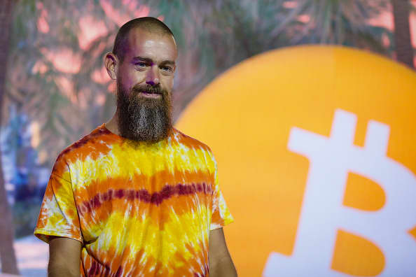 From bitcoin rallying to Amazon hiring a digital currency expert: 6 things that happened in crypto this past week