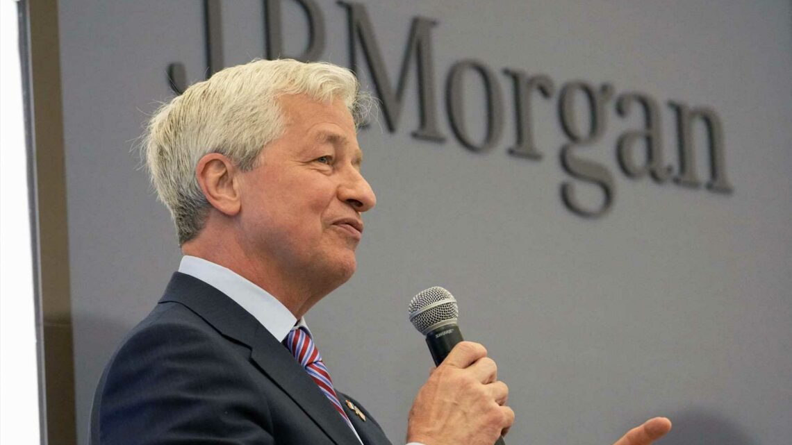 JPMorgan gives Jamie Dimon a special stock option bonus to keep him as CEO for several more years