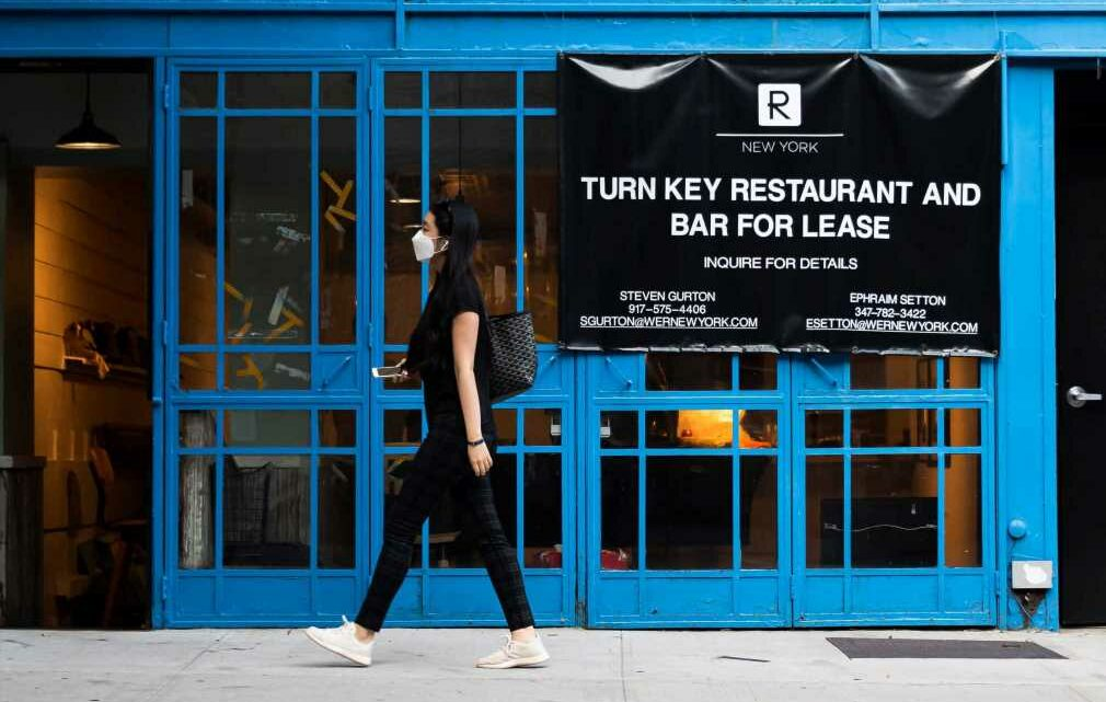 New York's retail rents set another record low, but restaurants are starting to sign leases again